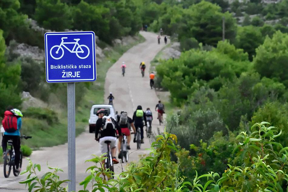 Biciklistička staza na otoku Žirju