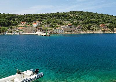 Predivno čisto more na otoku Žirju