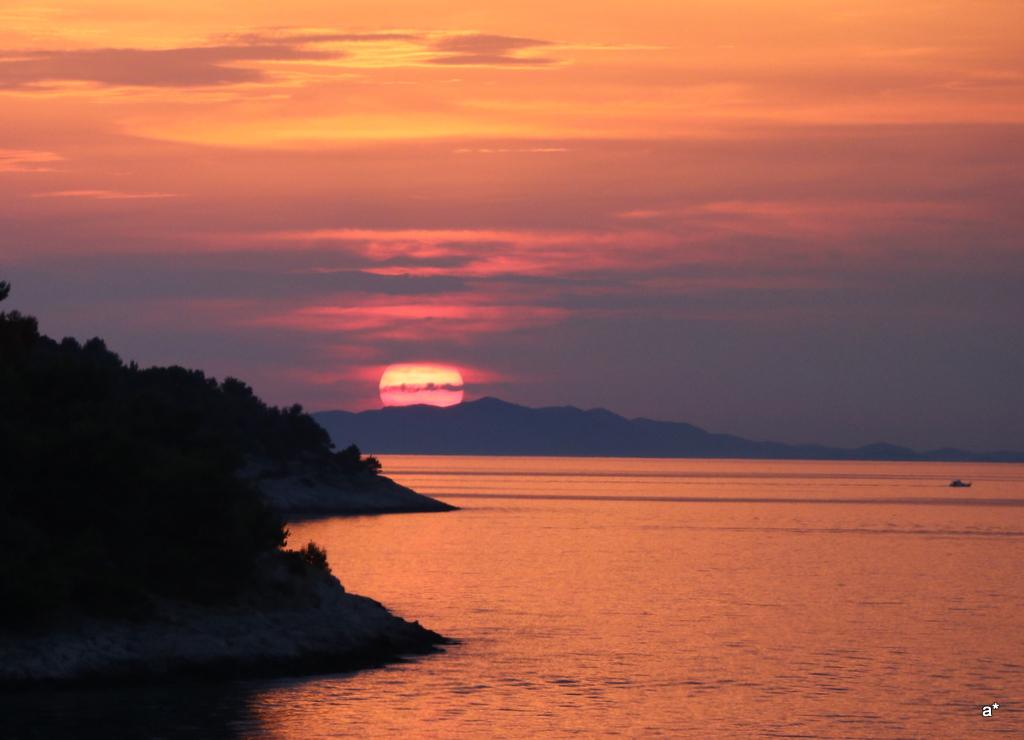 otok-zirje-zalazak-sunca